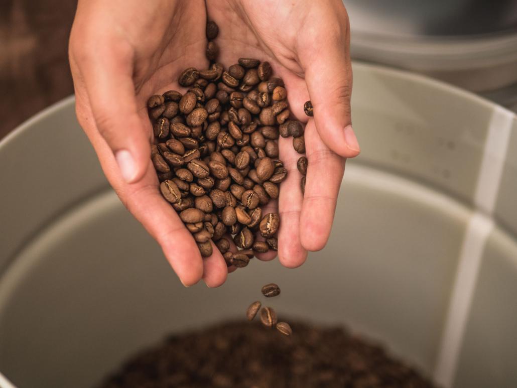 Kaffee frisch nach der Röstung