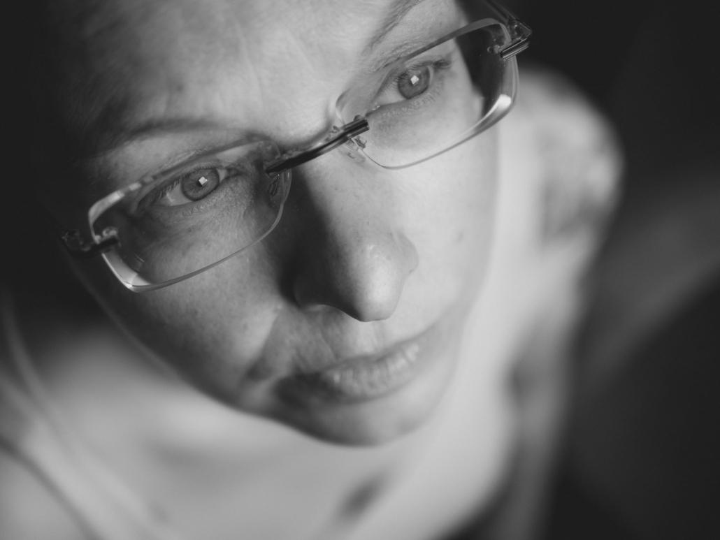 Characterportrait Frau natürliches Licht im Studio
